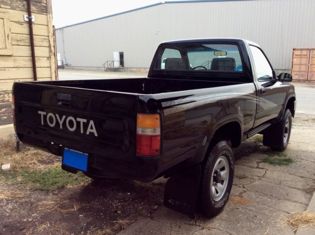 1993 Toyota 4wd Pickup Truck 22RE Pre Tacoma Short Bed 4x4