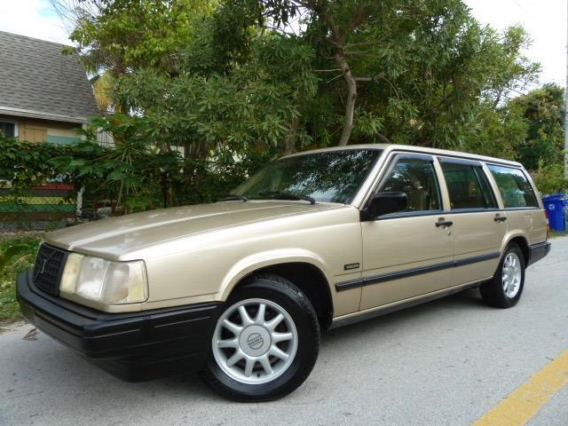 1993 Volvo 940 Turbo Wagon! Warranty! Heated Seats! Sunroof