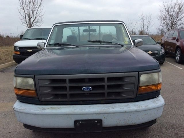 1993 xl used 4 9l v6 12v automatic rwd pickup truck for sale ford f 150 1993 for sale in local. Black Bedroom Furniture Sets. Home Design Ideas
