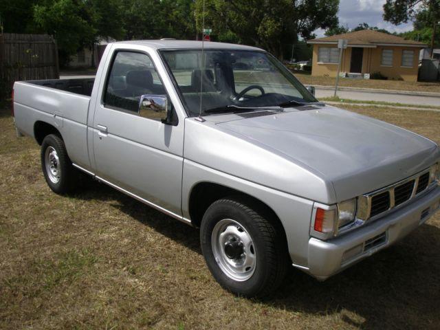 1994 hardbody nissan truck xe 108 228 miles no rust. Black Bedroom Furniture Sets. Home Design Ideas