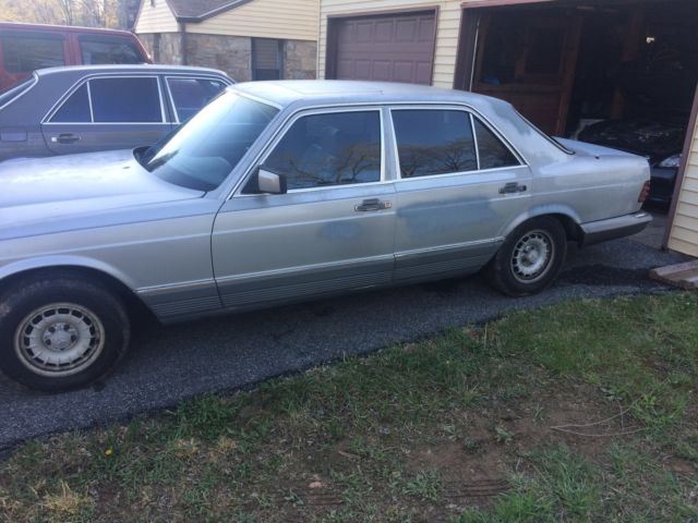 2 Mercedes Benz 300sd 39 S Both Low Miles For Sale