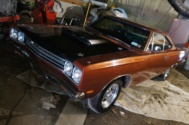 440 4 speed restored and enhanced over 500 hp gorgeous paint color for sale plymouth. Black Bedroom Furniture Sets. Home Design Ideas