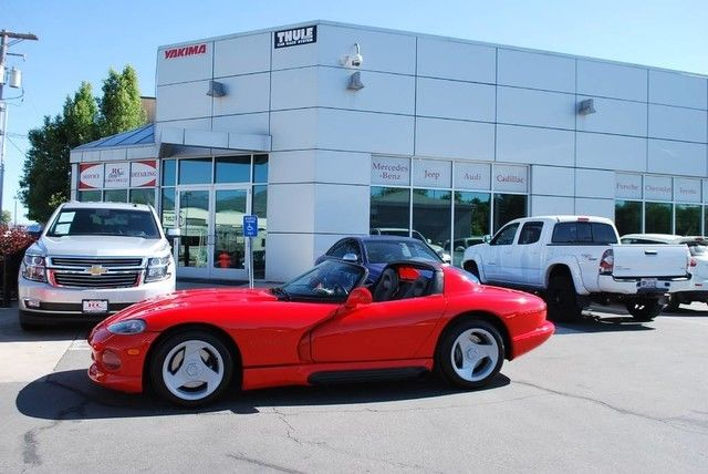 5800 ACTUAL MILES, CLEAN TITLE/CARFAX 2 OWNER, IMMACULATE