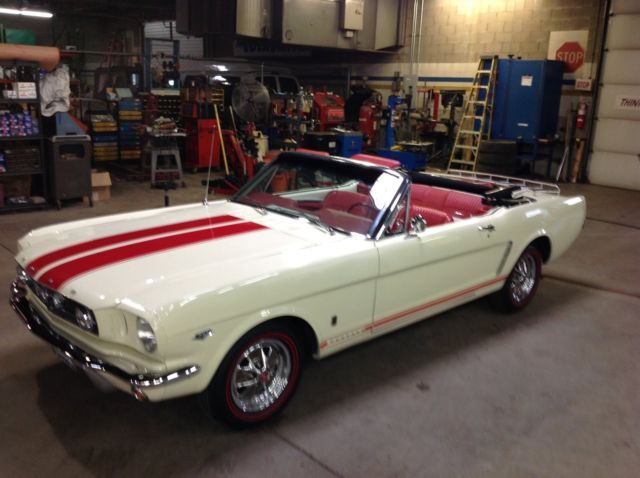 64 1 2 mustang convertible 4 speed v8 for sale ford mustang 1964 for sale in minneapolis. Black Bedroom Furniture Sets. Home Design Ideas