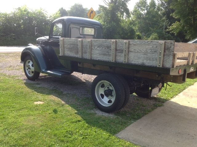 antique 1941 ford 1 1 2 ton flatbed truck for sale for 850 for sale ford 1 1 2 ton truckother. Black Bedroom Furniture Sets. Home Design Ideas