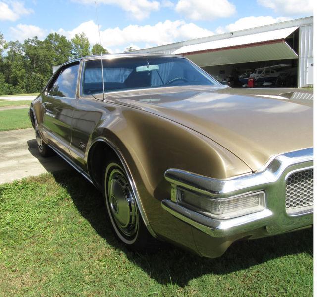 beautiful 1968 oldsmobile toronado 455 cid rocket 375 hp v8 4bbl auto a c more for sale. Black Bedroom Furniture Sets. Home Design Ideas