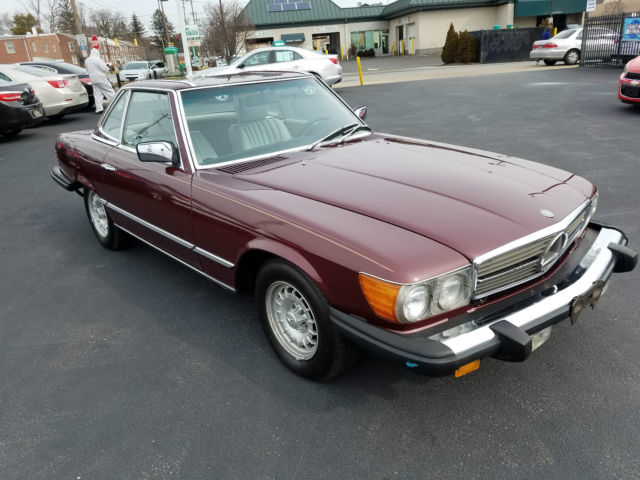 Beautiful and elegant 1985 mercedes benz r107 380sl for Mercedes benz hardtop convertible