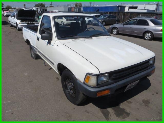 C 1989 Toyota Pickup Used 2 4L I4 8V Manual NO RESERVE for