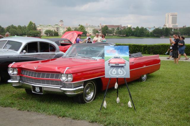 caddilac de ville convertible 1964 in red/black interior for
