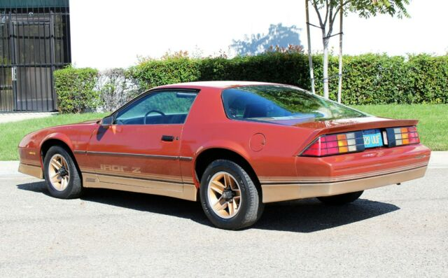 California Original, 1985 Chevrolet Camaro Iroc Z28, 70k