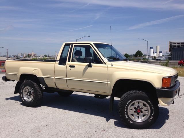 Ignition Switch Wiring Diagram Toyota in addition 168196 Exceptional 1986 Toyota Pickup 4x4 together with 4 Quarts Honda Atf Dw1 Genuine in addition 207031 1987 Toyota Pickup Dlx Extended Cab 2 Door 24l 22re Classic Truck likewise File 1979 Toyota 3A U Type engine front. on toyota 22re truck