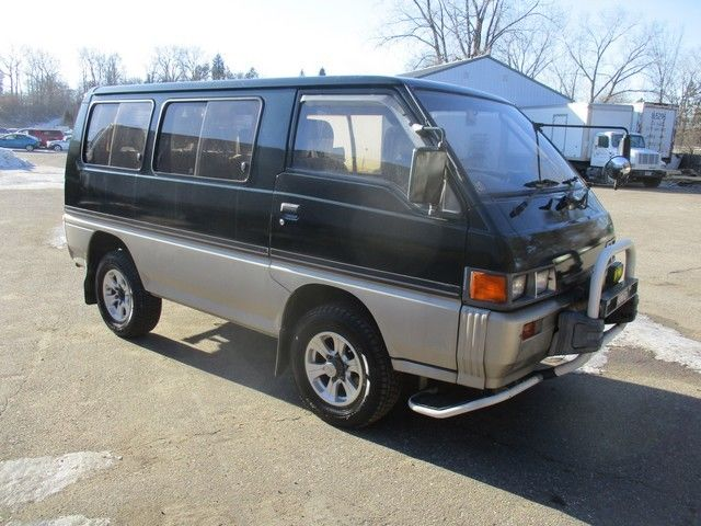 fed legal japan import 1987 mitsubishi delica l200 4x4 2 5 turbo diesel 5 speed for sale. Black Bedroom Furniture Sets. Home Design Ideas