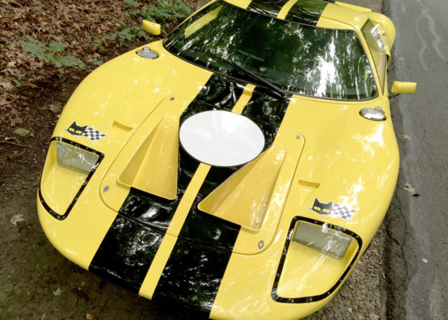 Ford GT40 Replica, Full Carbon Fiber body work and interior, AC, and