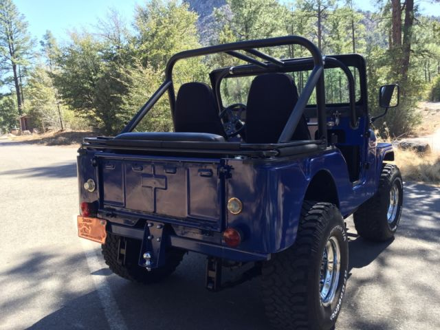 Jeep CJ5 1967 4x4 Blue Convertible Classic 350 Edelbrock V8