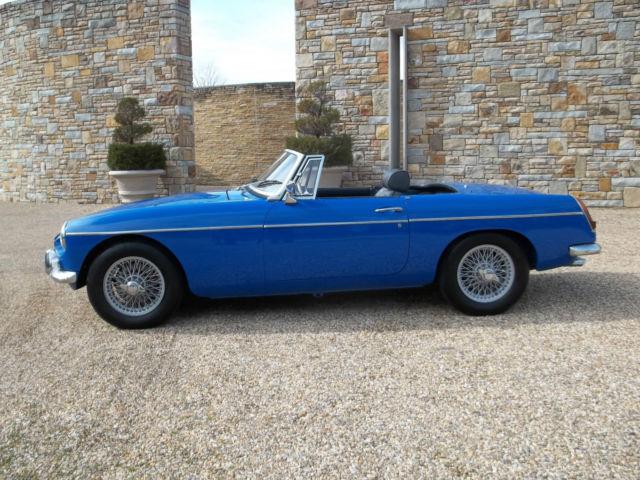L@@K!! 1967 MG MGB / RUNS AND DRIVES GREAT!! ONLY 49000
