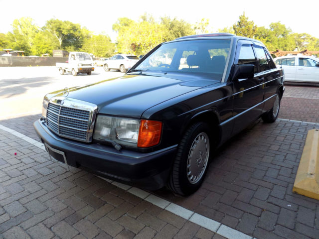 Mercedes benz 190 e classic antique showroom car for Mercedes benz 190 for sale