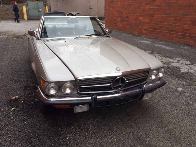 No reserve spring time is here mercedes benz 350 sl for for Mercedes benz roswell