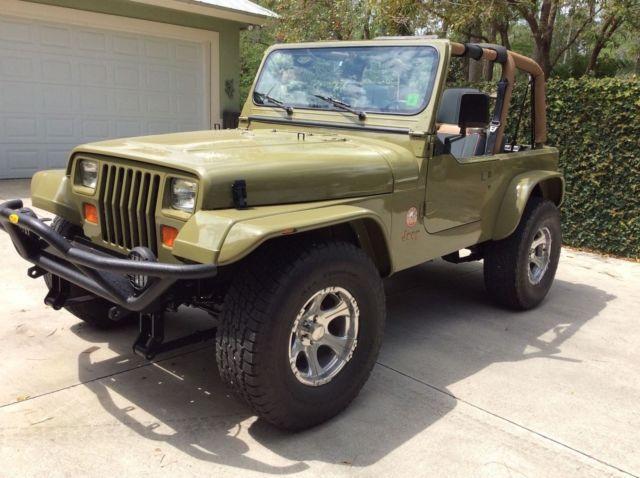 RARE RESTORED 1993 Jeep Wrangler Sahara Canadian ED.