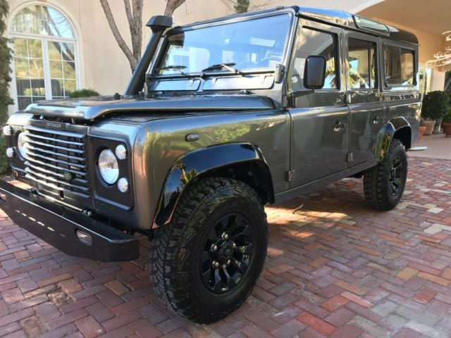 restored land rover defender 110 in excellent condition. Black Bedroom Furniture Sets. Home Design Ideas