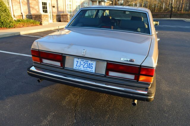 Rolls Royce Silver Spur In Running And Driving Condition