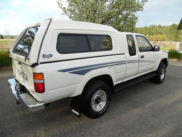 selling at no reserve 2 owner low mile 1990 toyota x cab pickup 4x4 v 6 survivor for sale. Black Bedroom Furniture Sets. Home Design Ideas