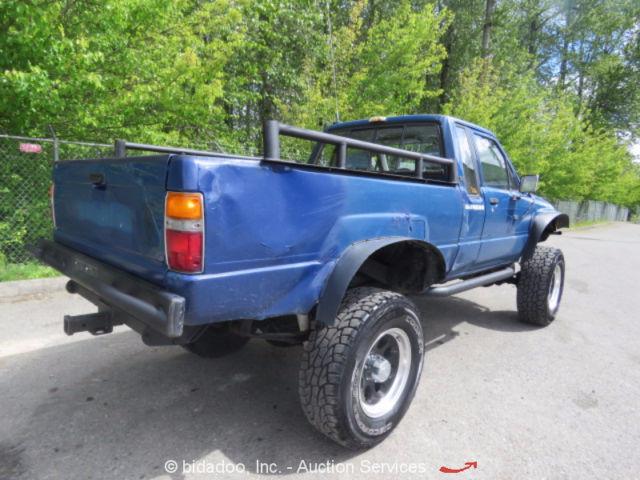 toyota pick up truck sr5 ext cab 4x4 sas off road wheeler 22r 5 spd manual for sale toyota. Black Bedroom Furniture Sets. Home Design Ideas