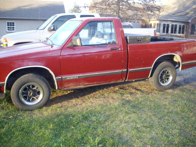 used chevy s 10 pickup truck 2wd 5 speed manual transmission runs good for sale chevrolet s. Black Bedroom Furniture Sets. Home Design Ideas